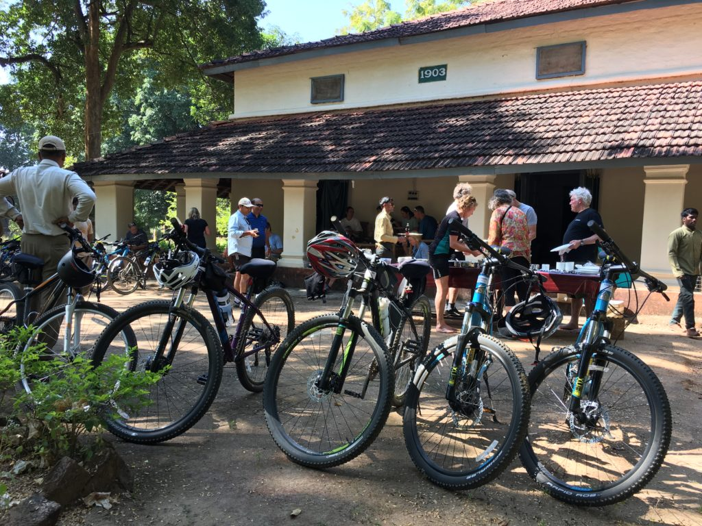 pugdundee-safaris-travelogue-Pench-cycling-experience