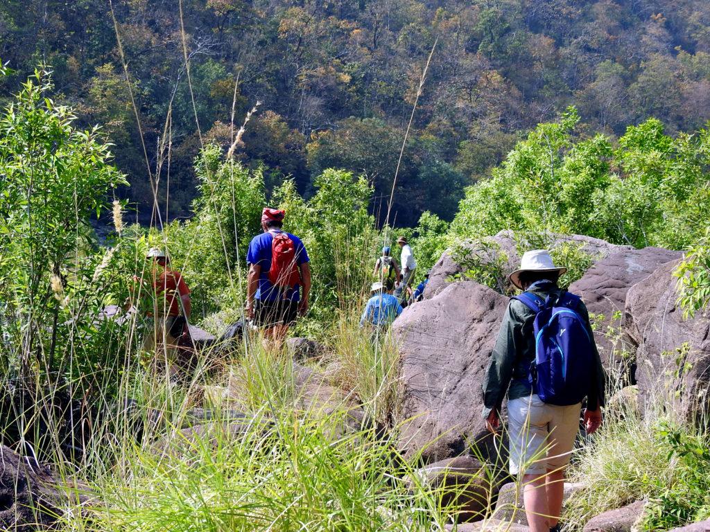 travel-blog-experiences-in-satpura-pugdundee-safaris-walking-safari