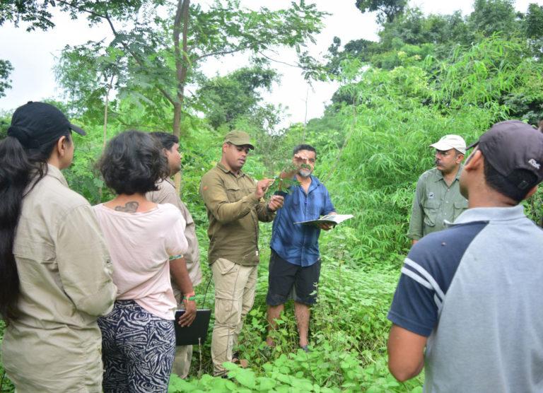 Pugdundee-Safaris-wildlife-training-program-nature-study